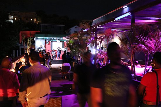 Roottop Garden & Hookah (Shisha) lounge - Picture of Dragons