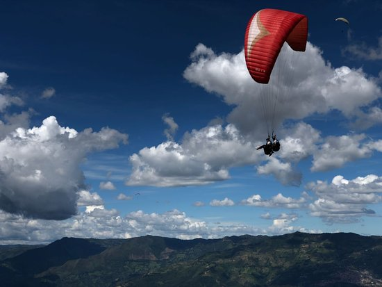 ‪Dream Flying Paragliding‬