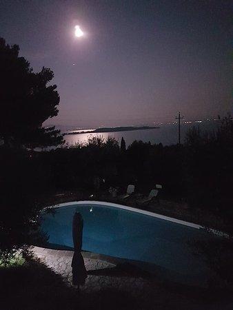 Monte del Lago, Italien: La luna più luminosa che mai, dopo l'eclissi del 27 luglio 2018