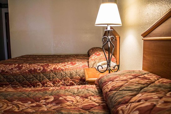 Econo Lodge - Akron: Guest room