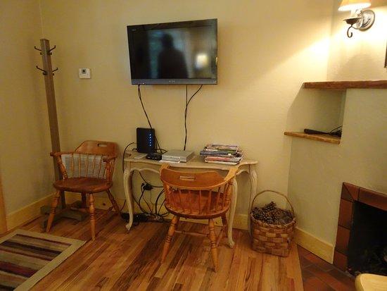 Gurley Street Lodge: Bungalow main room