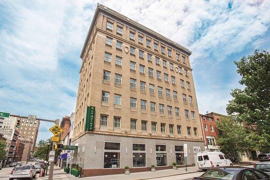 La Quinta Inn & Suites Baltimore Downtown Hotel