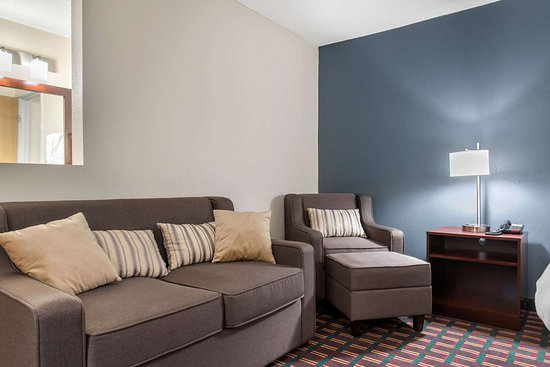 New Prague, MN : Well-equipped guest room