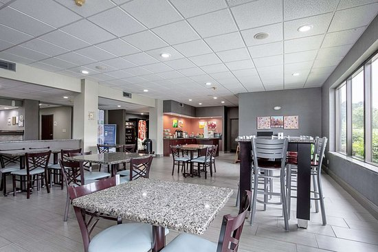 Holly Springs, MS: Spacious breakfast area