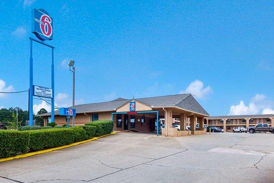 Motel 6 Marshall