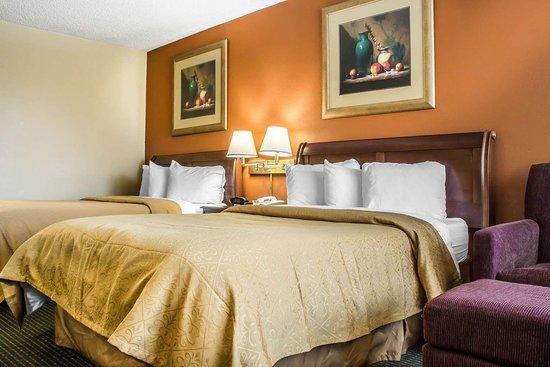 كواليتي إن روما: Guest room with two beds