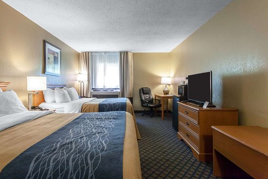 Seville, Ohio: Well-equipped guest room