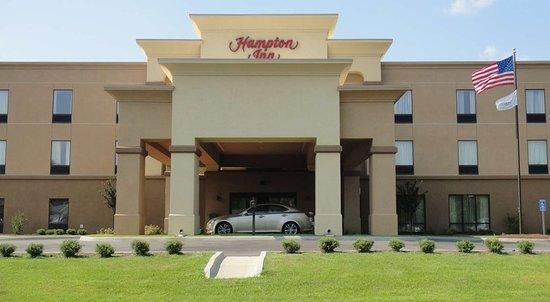Hampton Inn Ozark: Exterior