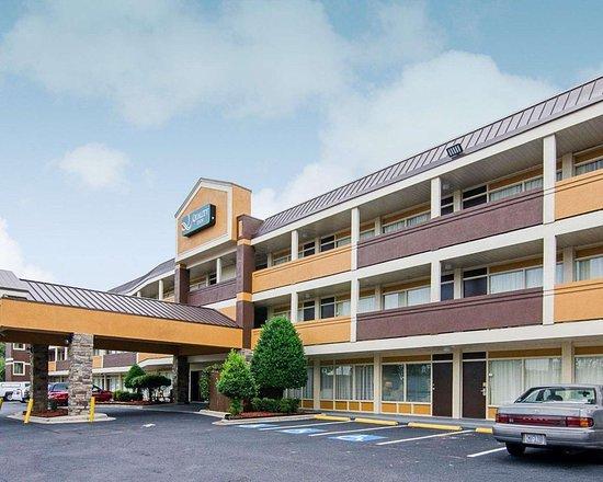 Baymont Inn  U0026 Suites Charlotte Airport  Near Uptown