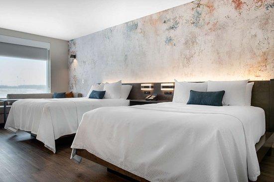 Westfield, IN: Guest room with queen bed(s)