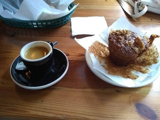 Kudu Coffee & Craft Beer: Espresso and Muffin