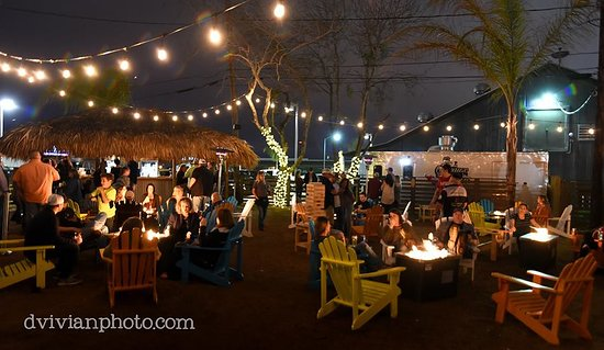 Victoria, TX: Outdoor Beer Garden
