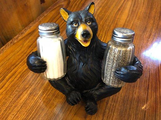 Grizzly Cafe: Adorable Salt & Pepper Shaker Holder