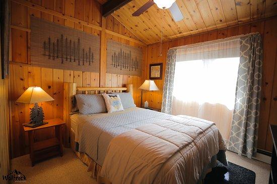 Jewel Lake Bed & Breakfast: ALASKA SUITE -Bedroom 1 of 2