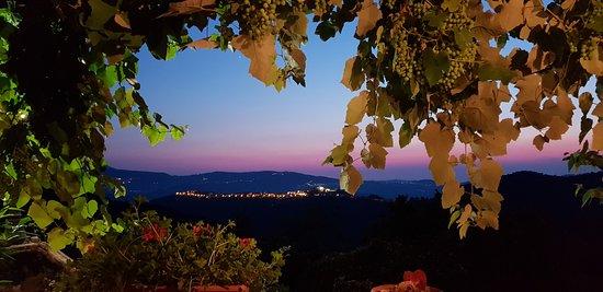 Orria, Italia: panorama al tramonto