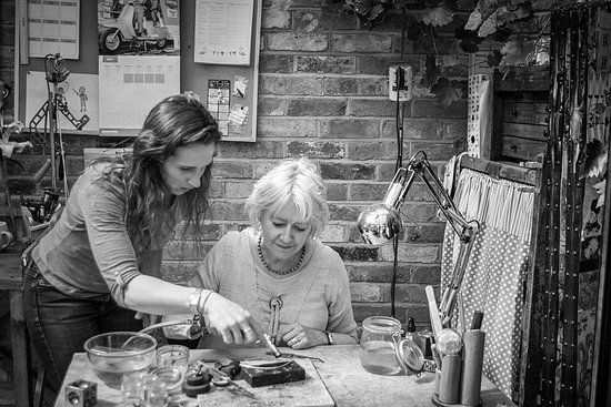 Atherstone, UK: Silver jewellery making workshops