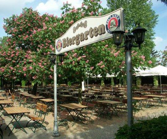 Der Grosste Biergarten In Der Euregio Picture Of Brauhausgarten Alt Bruhl Tripadvisor
