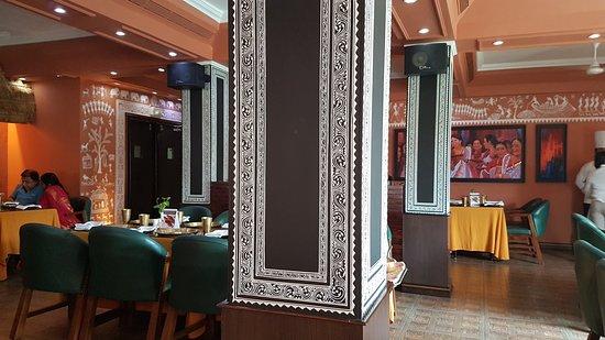 Mayfair Heritage: Restaurant