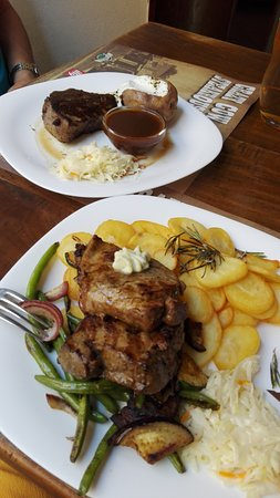 Crazy Cow Steakhouse: steak