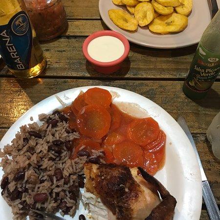 Creole's Rotisserie Chicken照片
