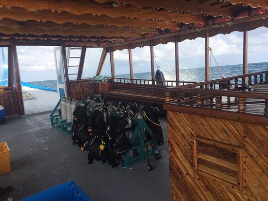 Extreme Maldives: Maldives style boat