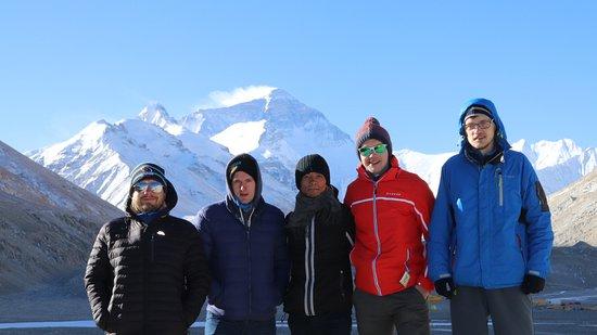 Lhasa, Kina: Group tour visiting Everest Base Camp in Tibet