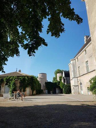 Mellecey, Frankrike: received_10156762514314551_large.jpg