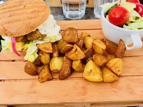 Café Hallonblad: Pike Burger