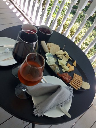Clermont, Τζόρτζια: Afternoon cocktail and cheese for two