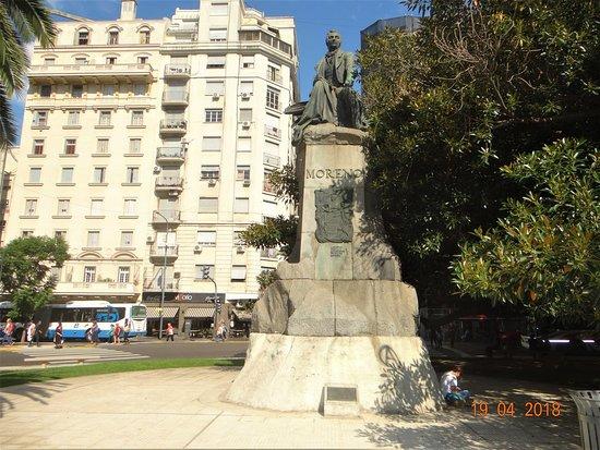 Avellaneda, Αργεντινή: Statue of Moreno