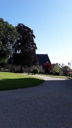 Chateau de Creully: 20180626_182936_large.jpg