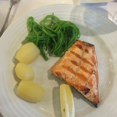 We've had the salmon and baked cod fish in traditional Portuguese style which is elegant and sim