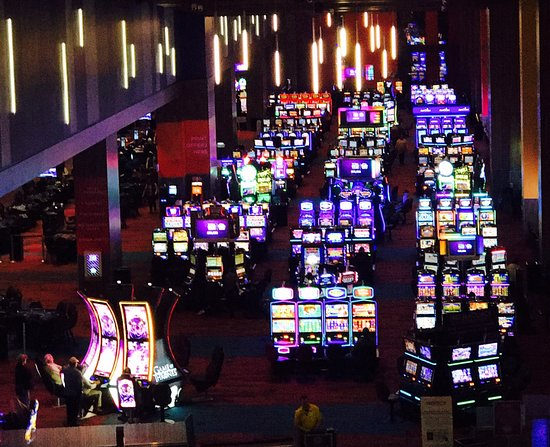 Harrah's Cherokee Valley River Casino & Hotel: Come on and have a lot of fun!!! It's all here waiting for you to enjoy!!!
