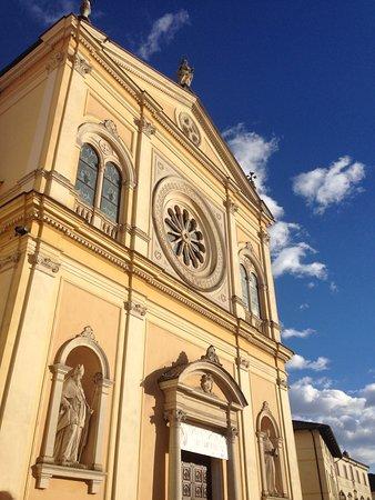 Campanile di Breganze: La chiesa dedicata a Maria Assunta.