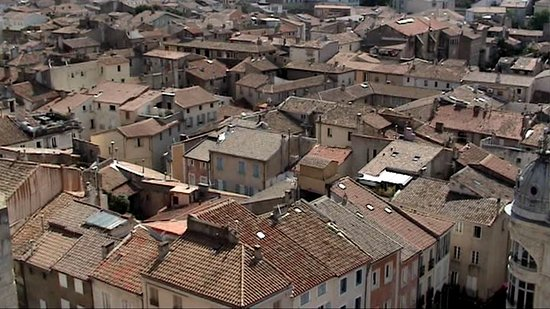 Donjon Gilles Aycelin: Quartier de type oriental