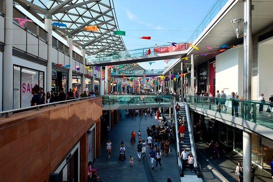 利物浦一号购物中心