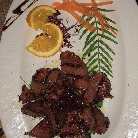 A dir poco eccezionale personale preparato e professionale cibo eccellente !  Da ritornare