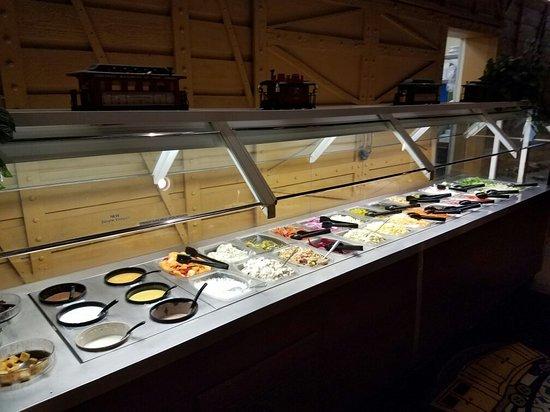 Claremont, NC: Salad Bar