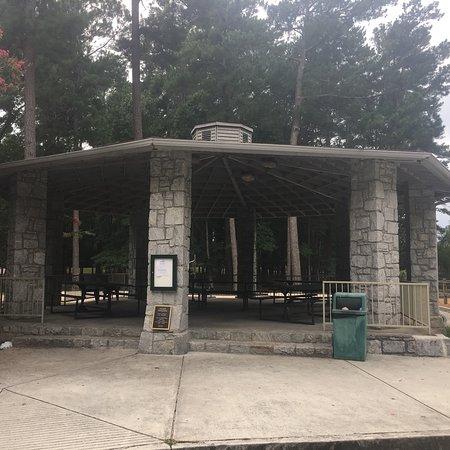 Briscoe Park: Beautiful Community Park