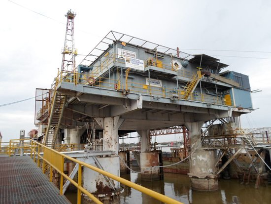 Morgan City, LA: We are attached to the Mr. Charlie rig museum. the WORLDS FIRST moviable and reusable oil drilli