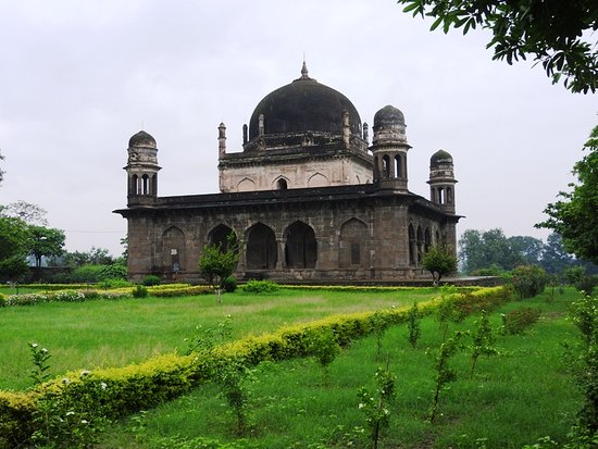 Burhanpur, India: Tomb of Shah Nawaz Khan aka Black Taj