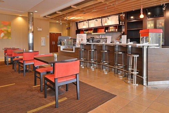 Courtyard By Marriott Burlington Mt Holly Westampton Restaurant