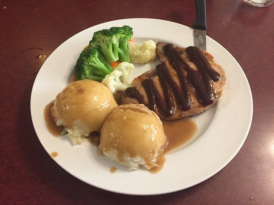 Northern Motor Inn: Pork Chops w/ Mashed Potatoes