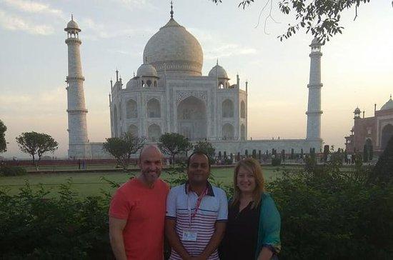 Délicieuse visite d'une nuit à Agra...