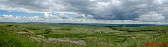 Fort Macleod, Canadá: Panoramic view of the landscape from the Head Smashed In Buffalo Jump