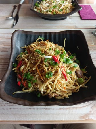 Budaors, Hungría: Egg noodles with duck
