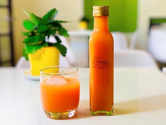 Dalat Fruit Bar: Organic fruit juice