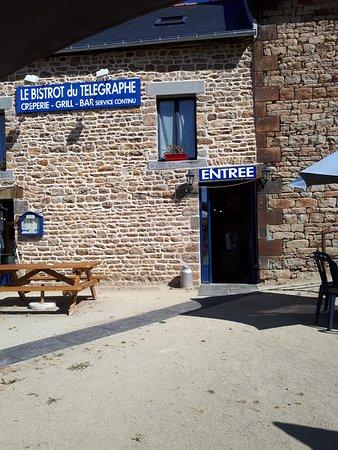 Saint Marcan, France: Vue extérieure