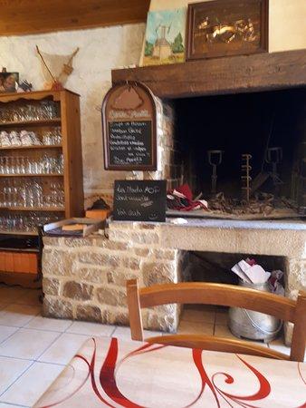 Saint Marcan, France: la salle