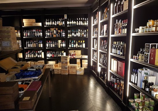 Renato Pedrinelli Wine shop